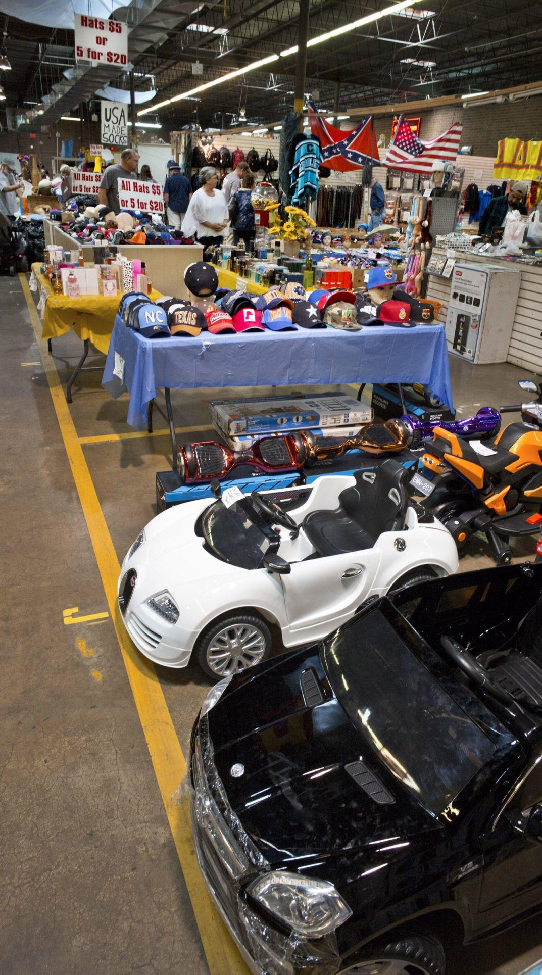 Cooks Flea Market Sold To United Flea Markets Local News - Usa flea market car show