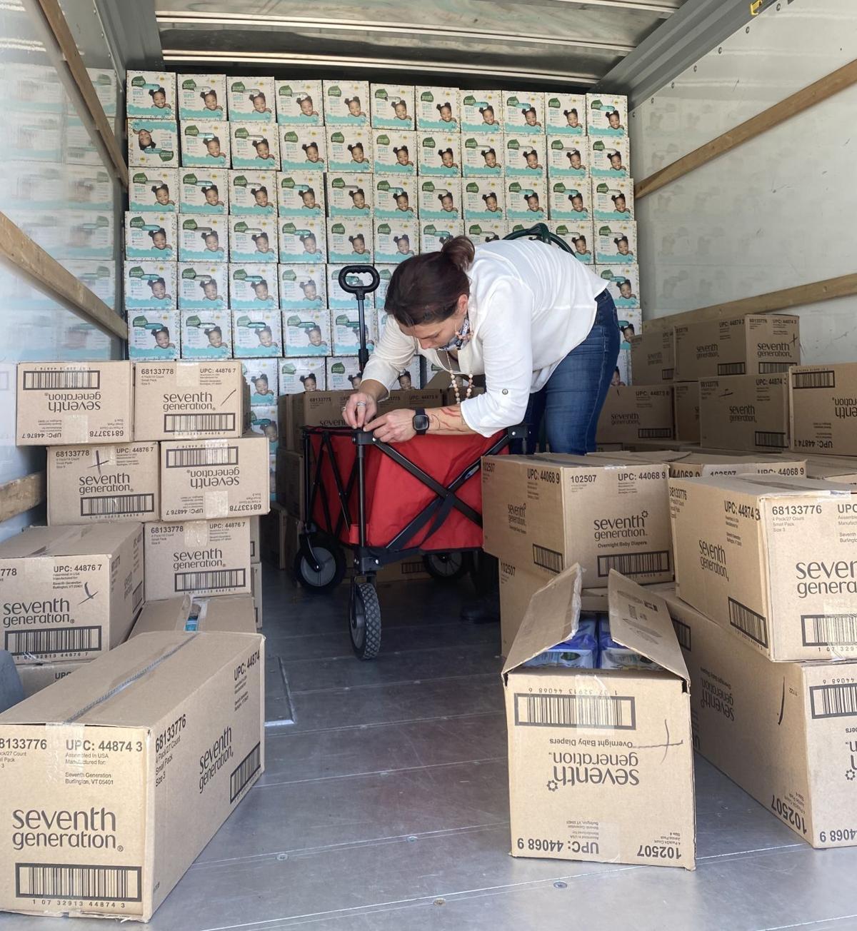 Unloading diapers