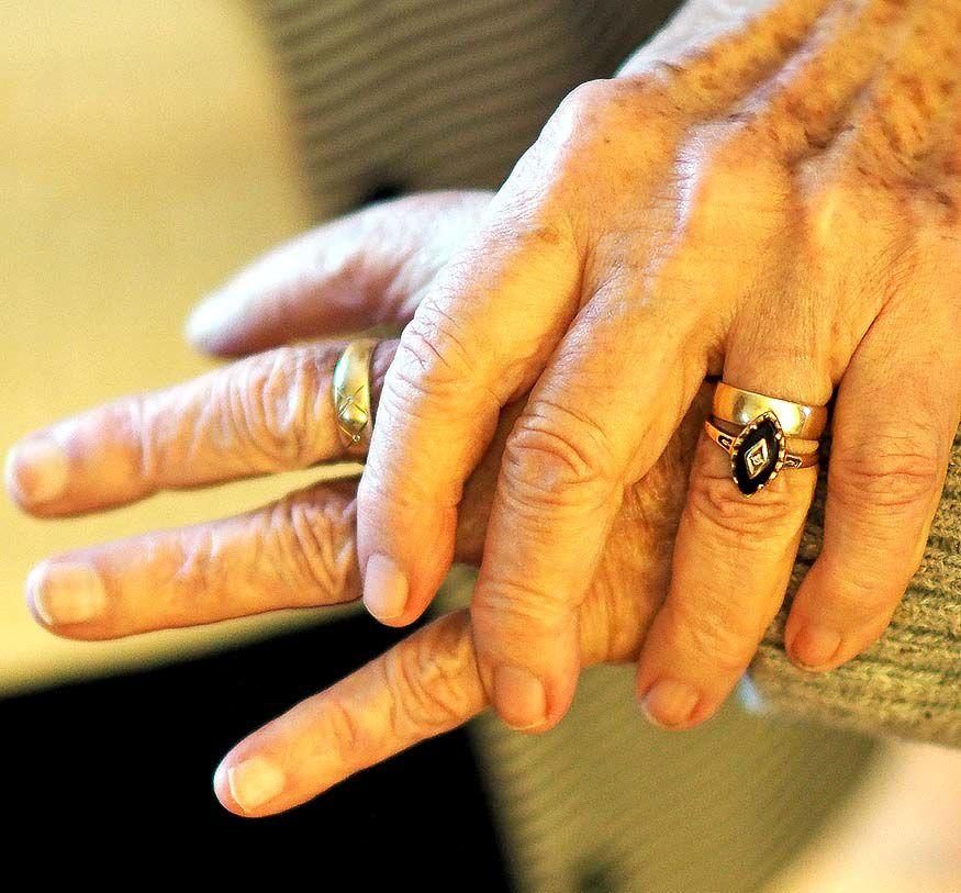 Rolands hands