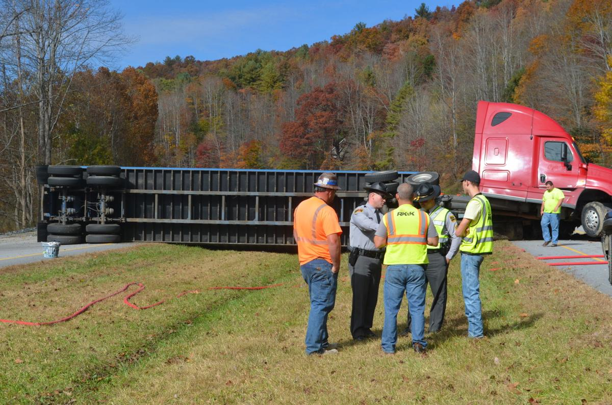 Tractor-trailer wrecks on U S  421 mountain | News | journalpatriot com
