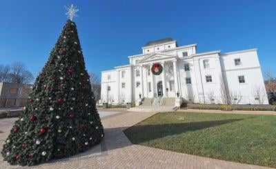 Old courthouse Christmas