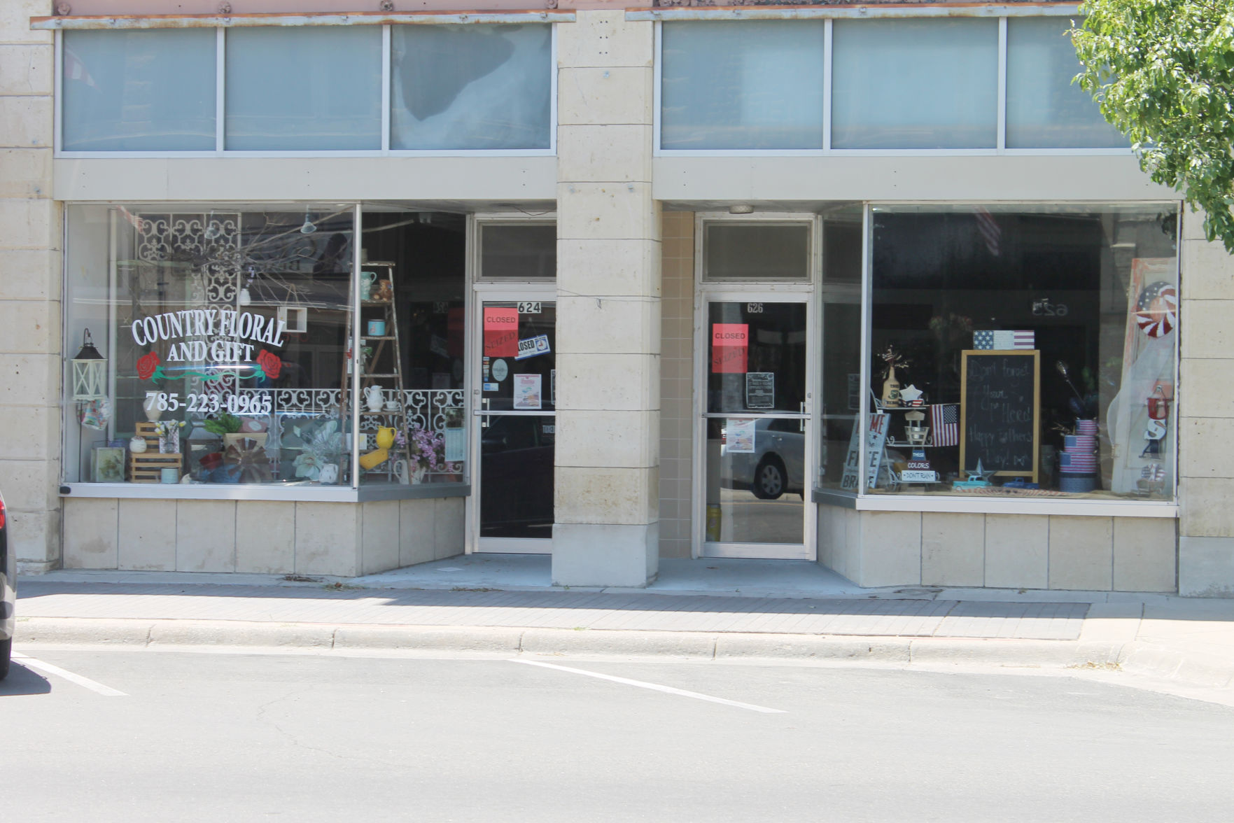 Warrants for nonpayment of taxes served at Junction City business