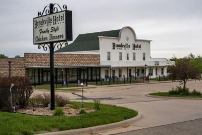 050521_mer_new_brookvillerestaurantnewownership-8.jpg