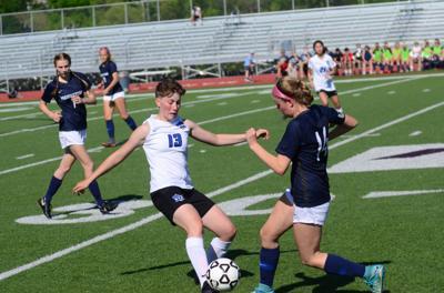 JC girls fall in regional playoff matchup against Manhattan