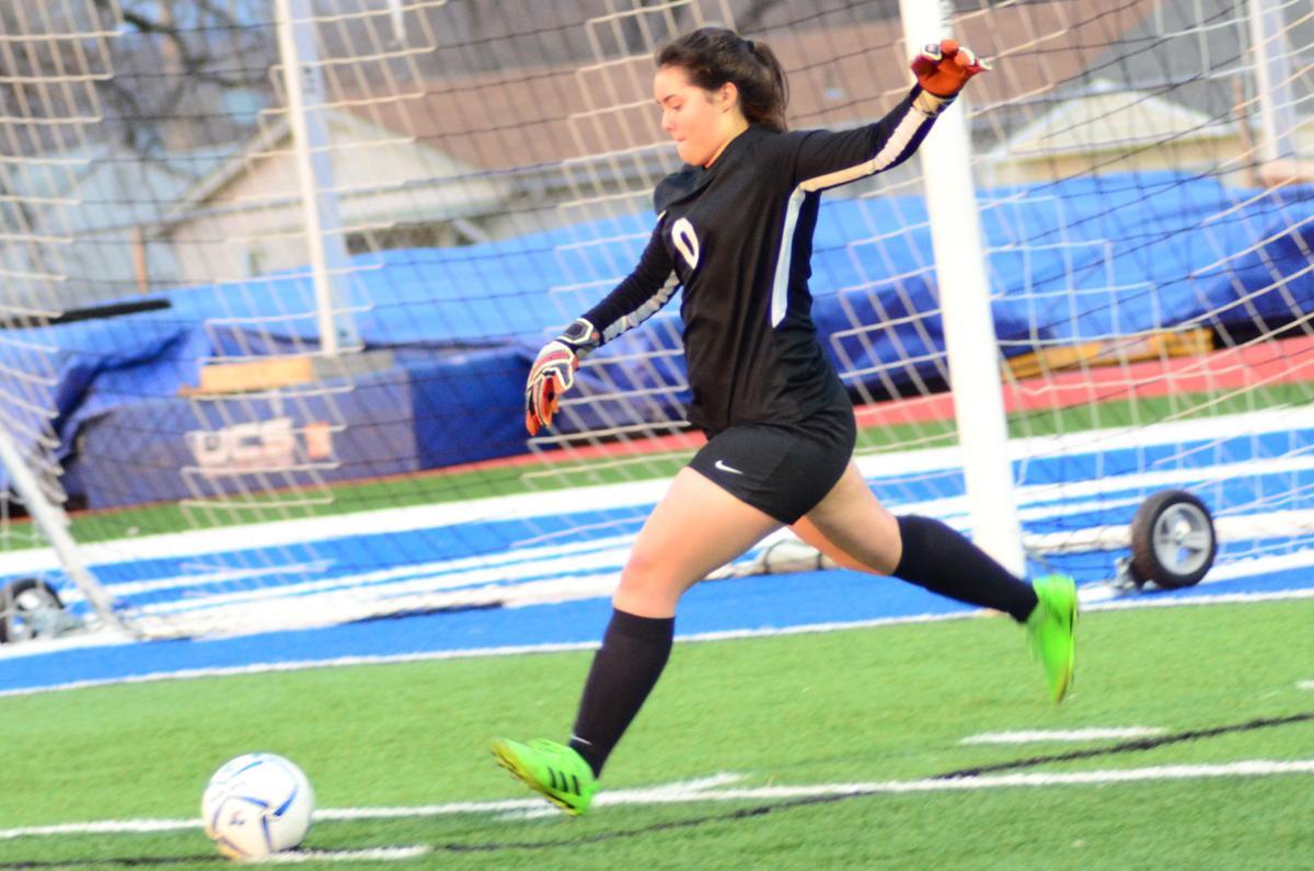 Sophomore goalkeeper Sophia Holloway