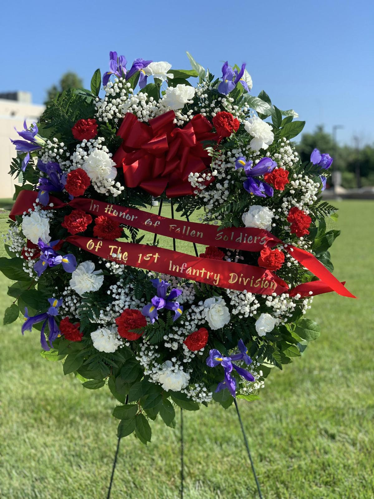 Wreath-laying ceremony honors soldiers' sacrifices