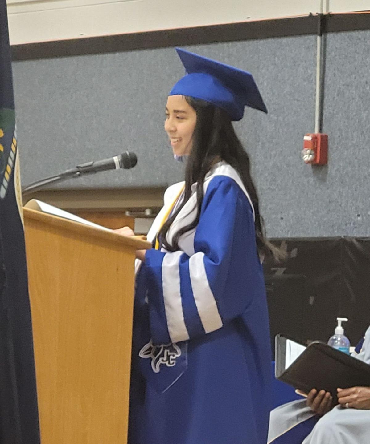Elyse Nguyen (Valedictorian)