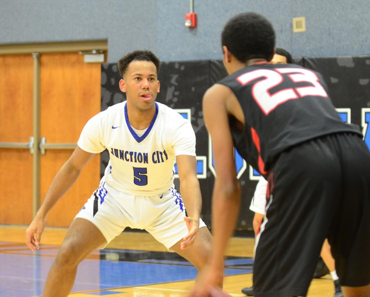 Highland Park spoils Junction City's Winter Homecoming