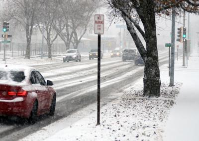 Snow hits Junction City and Geary County