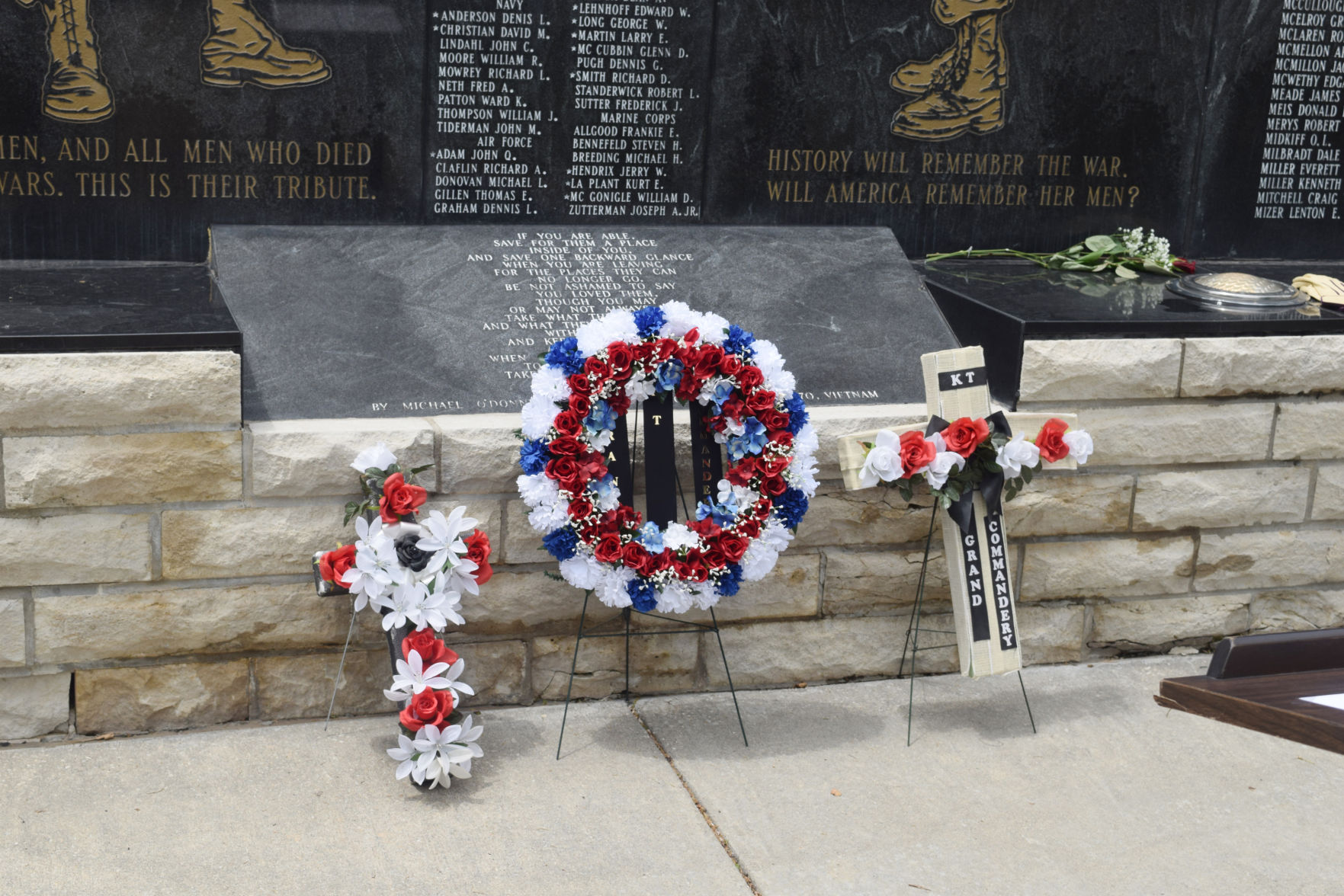 Wreath-laying ceremony honors those who served