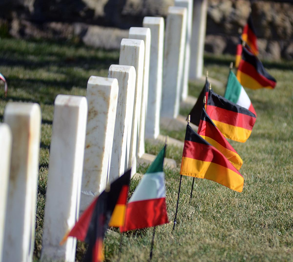 112220-du-flags
