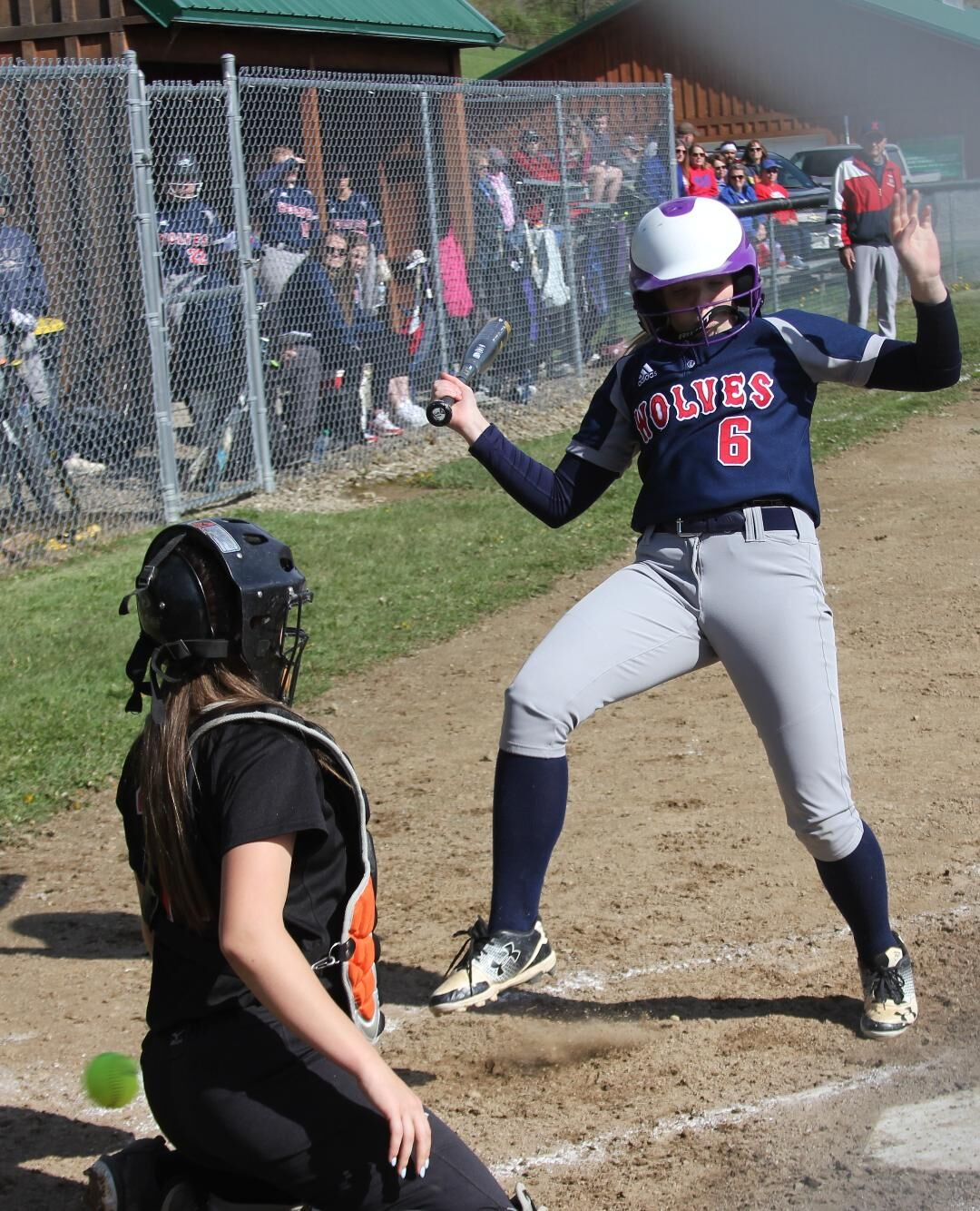 Lady Wolves defeat Sheffield for eighth win