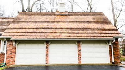 A Few Tips For Diy Garage Door Maintenance At Home