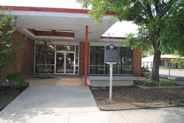 Lampasas library