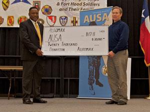 Commander praises AUSA chapter