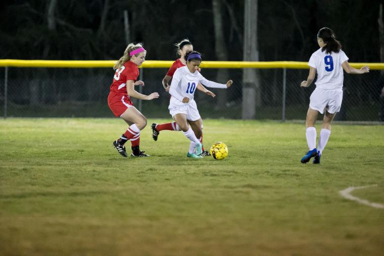 Lady Dawgs soccer