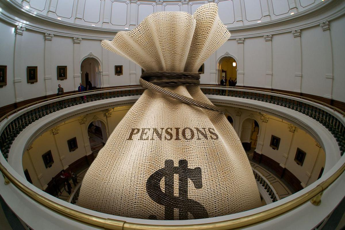 Texas state workers fear fallout from changing math on pensions