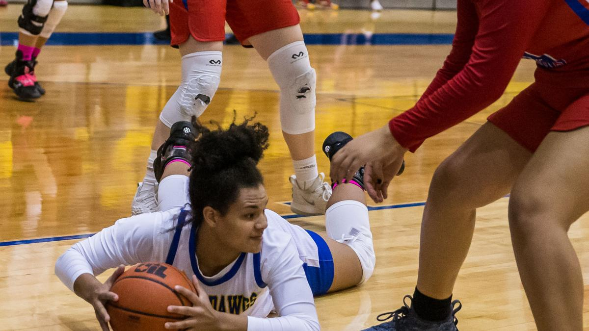 Varsity rookie helps Lady Dawgs win home opener for 2-0 start