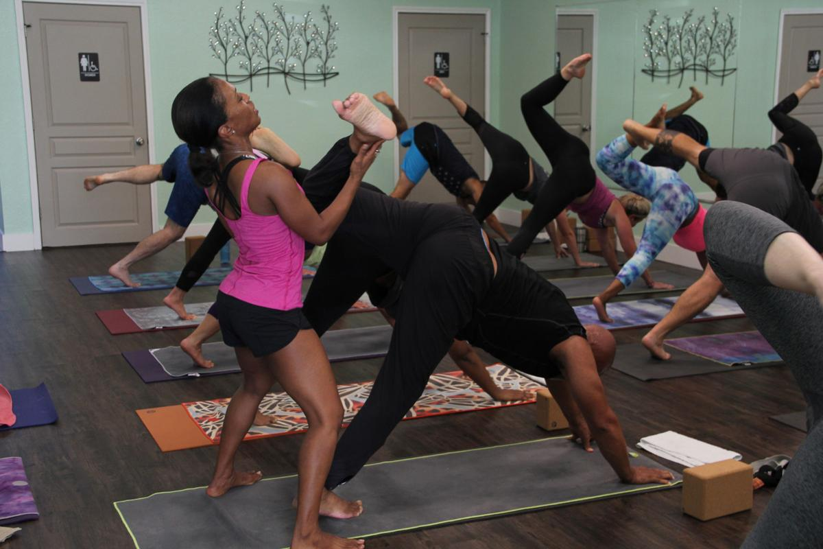Instructor Helps Students Find Community Through Yoga Classes Local Kdhnews Com