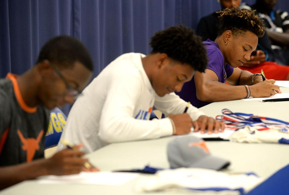 Copperas Cove Athlete Signings