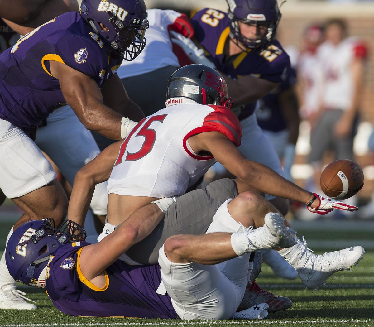 FOOTBALL: UMHB Opens Title Defense With 23-7 Win Over Sul