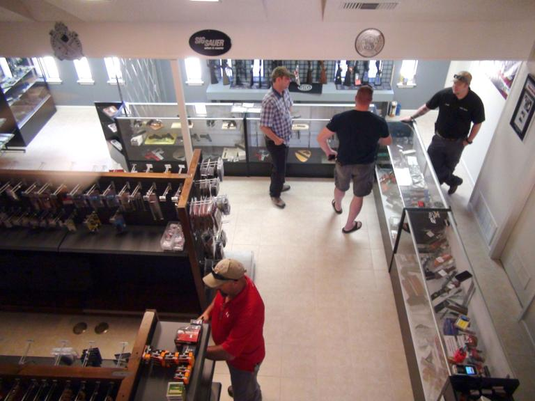 PARS Guns hosts grand reopening