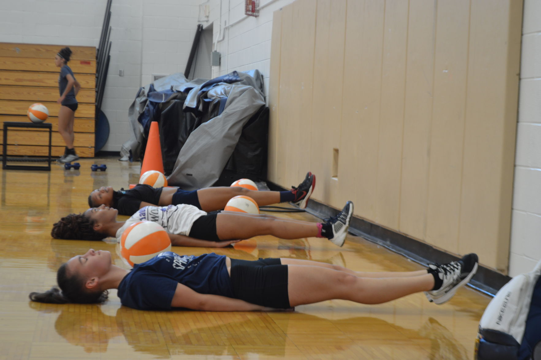 Shoemaker prepares volleyball players with freshman camp