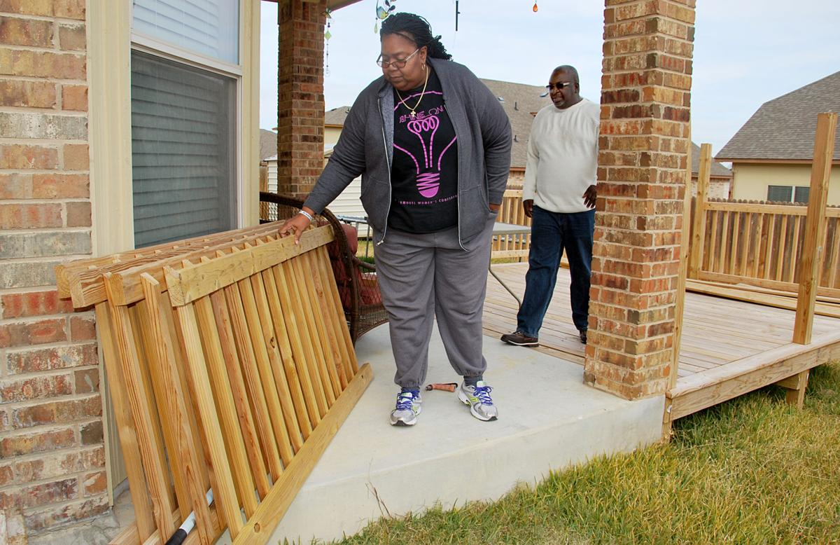 Alecia And Rendell Pemberton Of Killeen Walk On Their Unfinished Deck The Aren T First People To Complain About 5 Star Fence