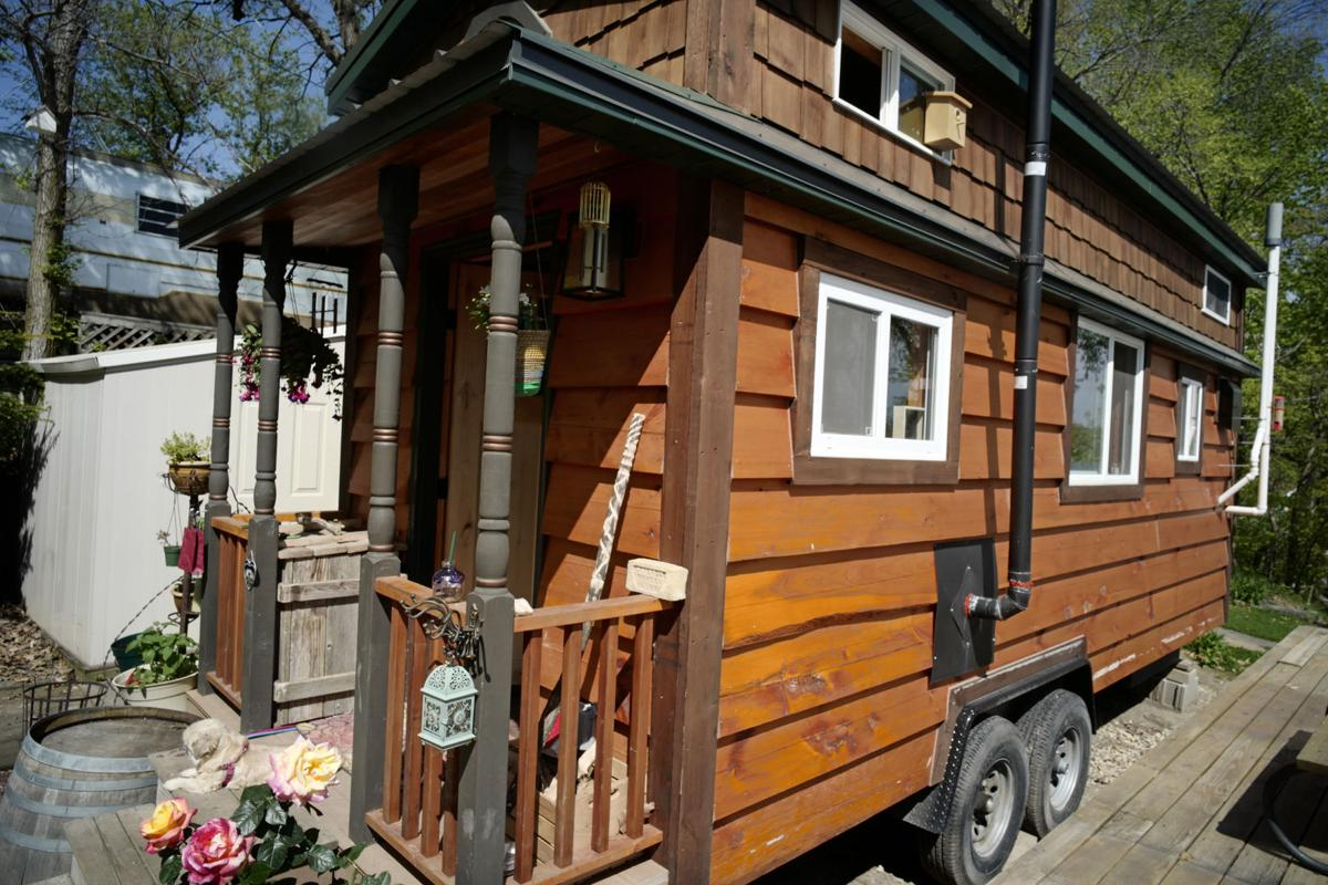 Tiny home for family of 5 - Life Home Tiny House 1 Ms