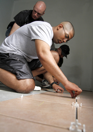 Soldiers help Cove House make repairs