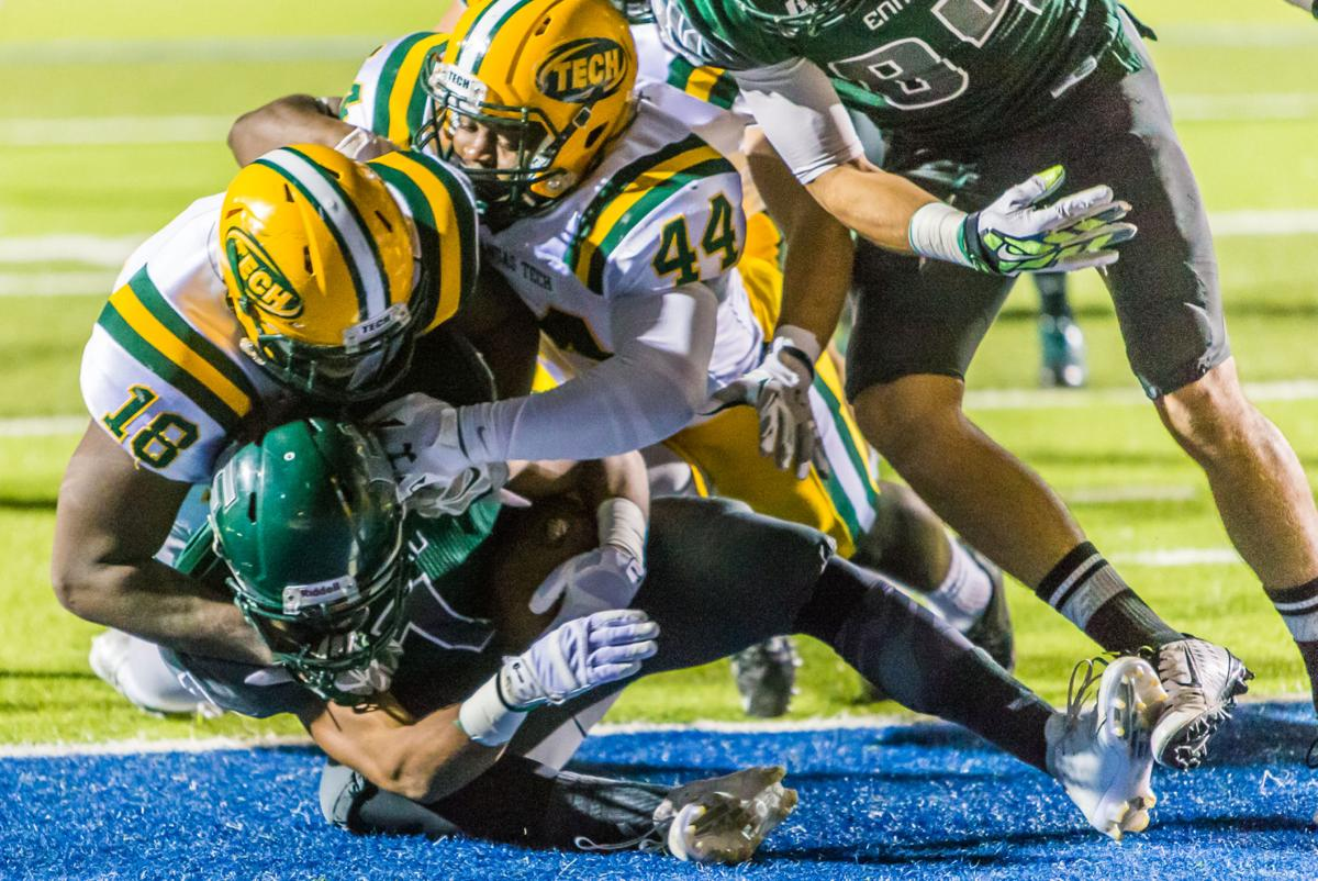 Arkansas Tech Wins Division Ii Hot Bowl 51 35 Over Eastern New