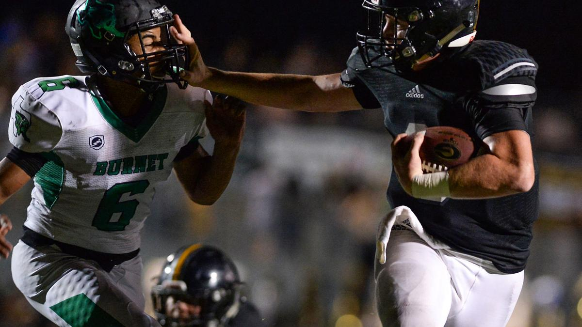 Homecoming king Bayer leads unbeaten Hornets in 2nd-half rout of Burnet, 47-7