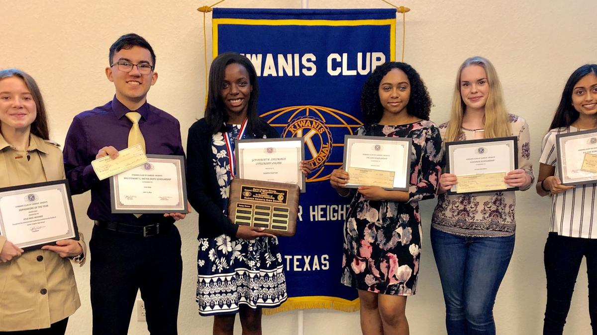 Harker Heights Kiwanis Club presents $1,500  scholarships to five Heights High students