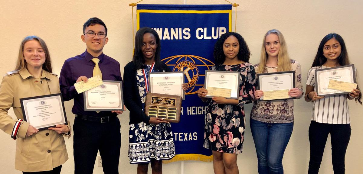 Kiwanis scholarships-group.jpg
