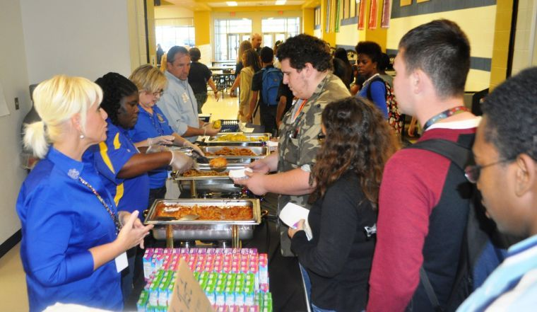 Students critique cafeteria lunches during taste testings at schools