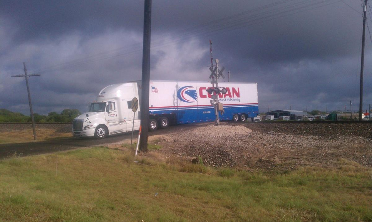 Truck gets stuck on train tracks in Nolanville | News