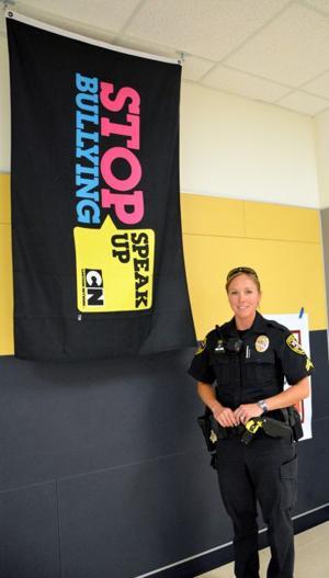 female police officers 9380.jpg