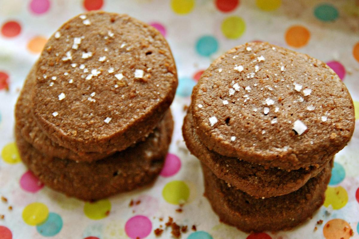 FOOD CHOCOLATE-SALTPEPPER-SABLES PG