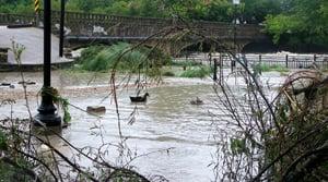 Storm follows path up Interstate 35