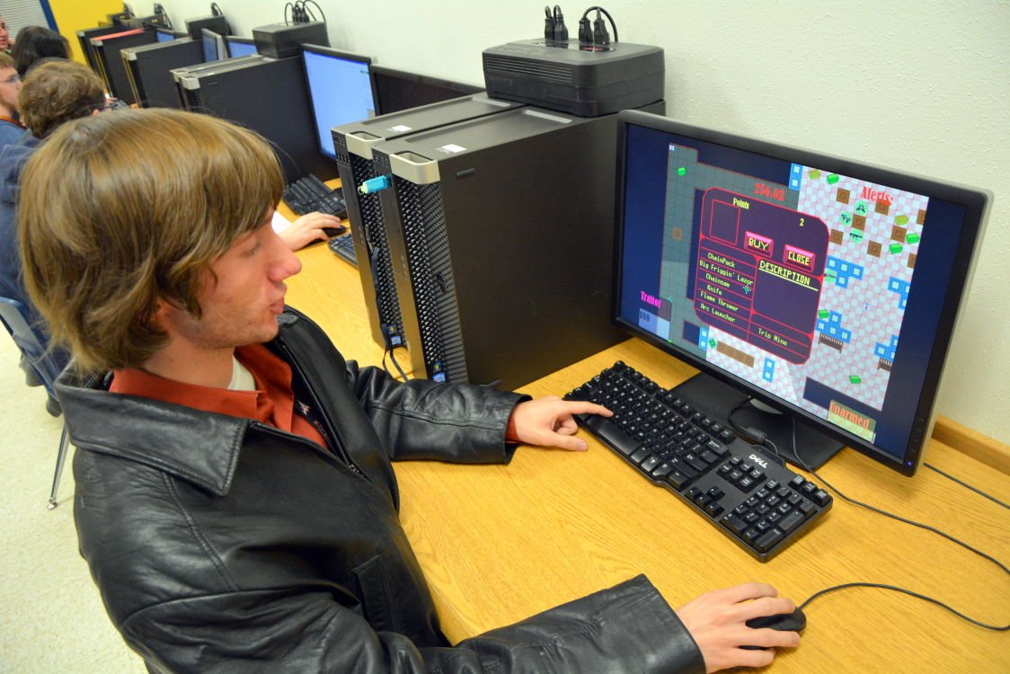 Cove High Class Prepares Students For High Tech Career Field News