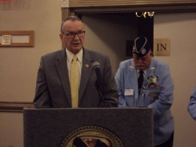 Almost 300 gather to remember veterans