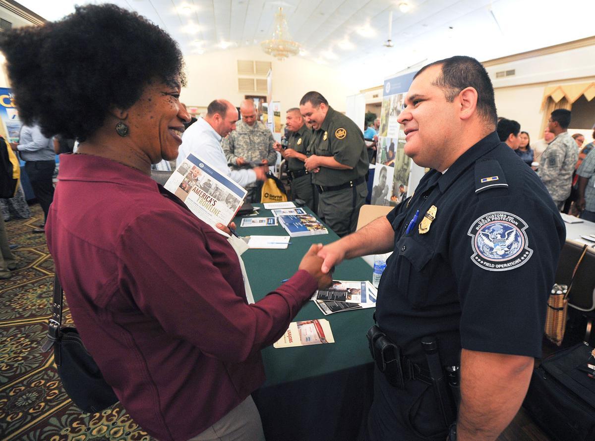 Mega Job Fair Thousands Attend Hiring Event At Fort Hood Military Kdhnews Com