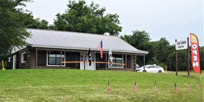 Log Cabin 1.JPG