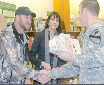 Former SEAL sniper signs books in Killeen