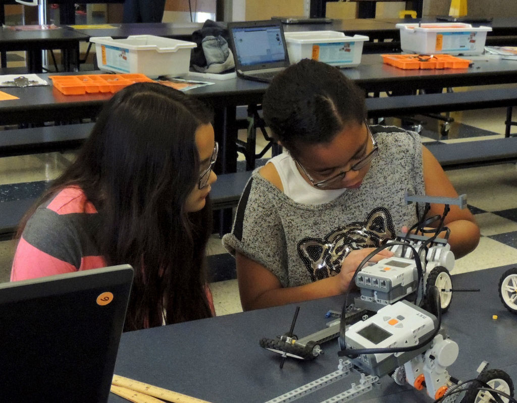 Elementary students put math skills to work at robotics mini ...