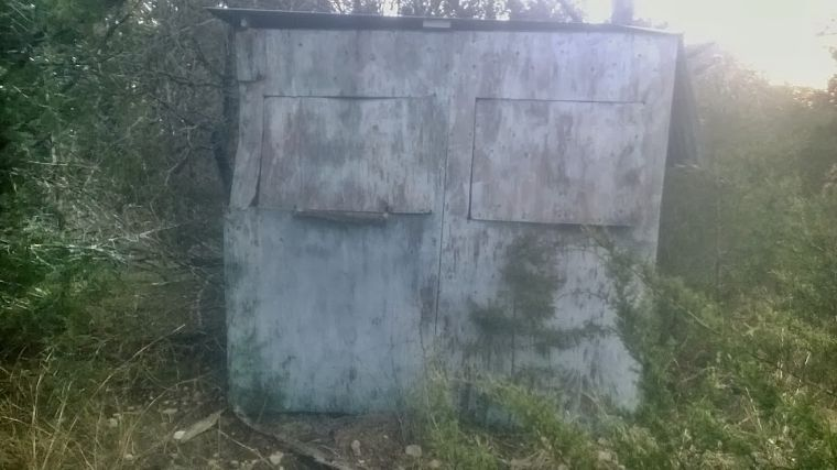 Old deer blind