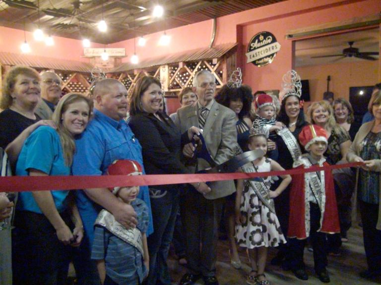 Unwind! Texas Style Tasting Room & Cafe hosts grand opening