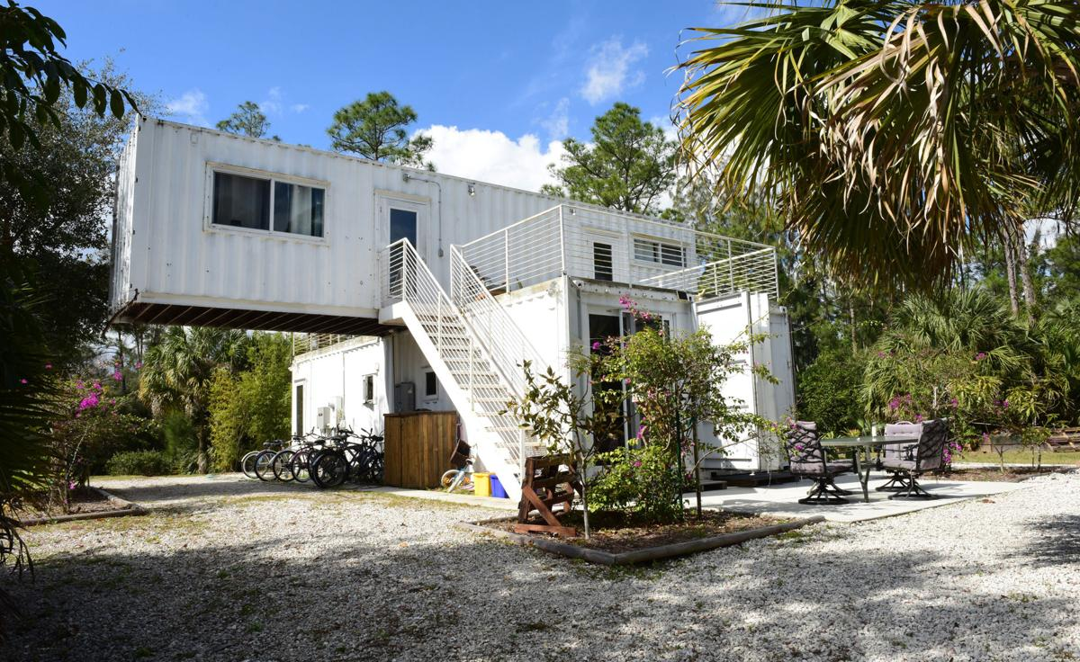 LIFE HOME-SHIPPING-CONTAINERS 7 FL