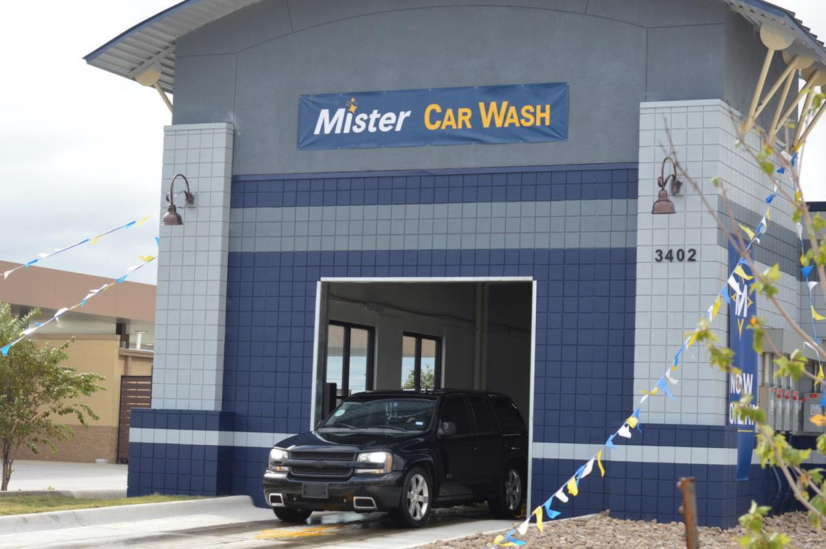 New Mister Car Wash location celebrates grand opening with