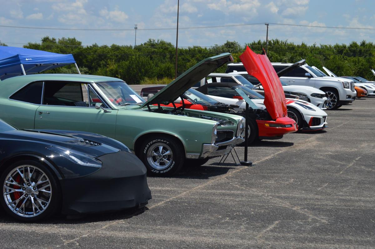 Community comes together for 'Boots and Bling' event in Harker Heights